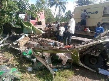 Witnesses at the scene of the accident in Kilifi on Sunday, November 1, 2020.